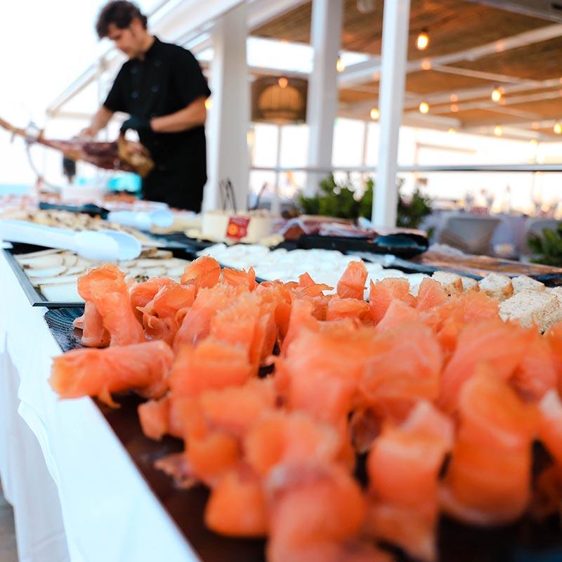 salmó i menjar gourmet casaments nui beach