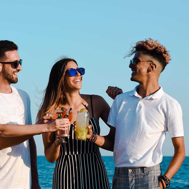 coctels-amics-xiringuito-platja-calella