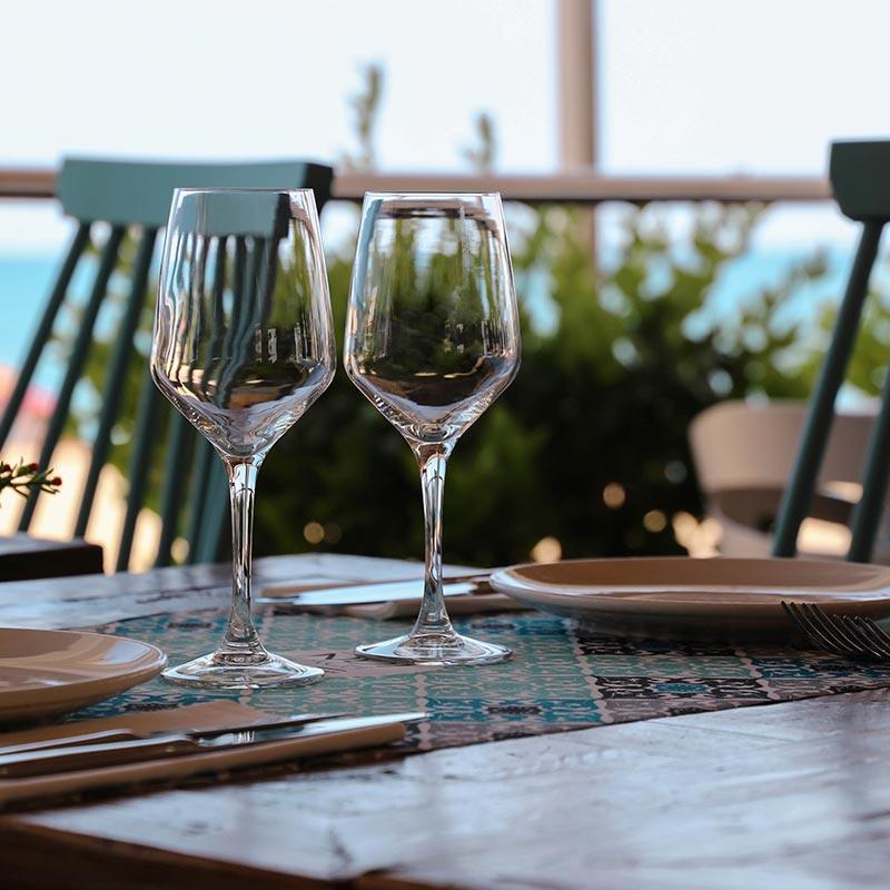 taula migdia nui beach