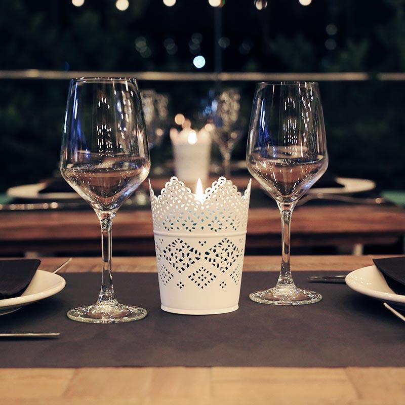 taula parada per al sopar al xiringuito nui beach