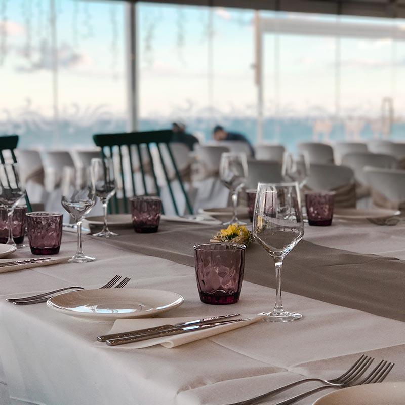 taula-casaments-nui-beach
